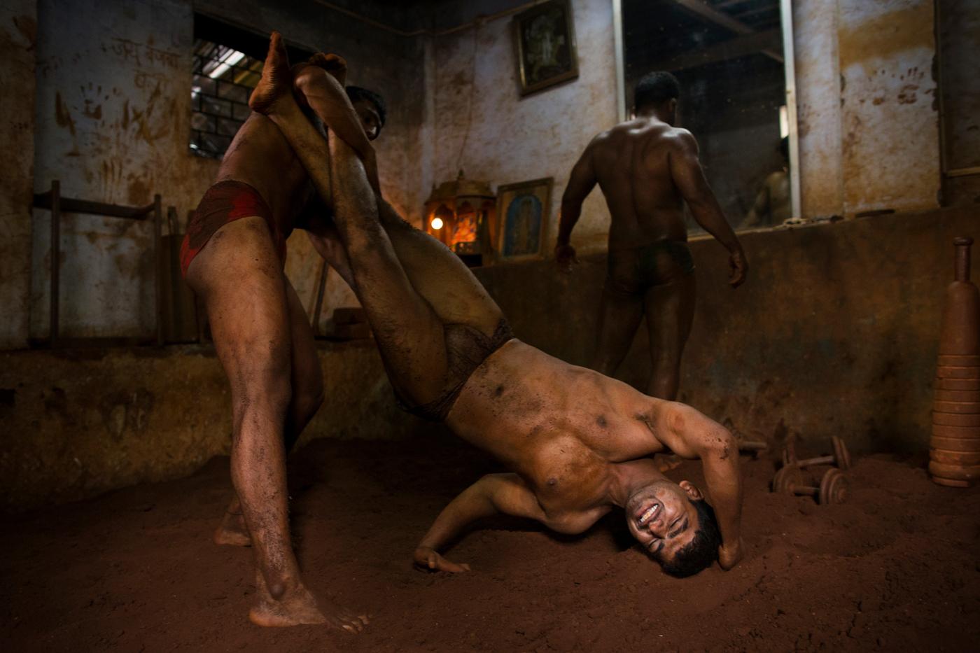 011 – Mumbai Kushti Wrestlers